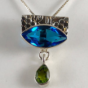 "Gem Emporium Jewelry - Blue Topaz and Peridot Pendant with 16"" Box Chain"